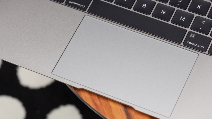 386918-apple-macbook-2015-force-touch-trackpad